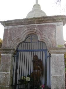 Fontaine Saint-Michel à Bias